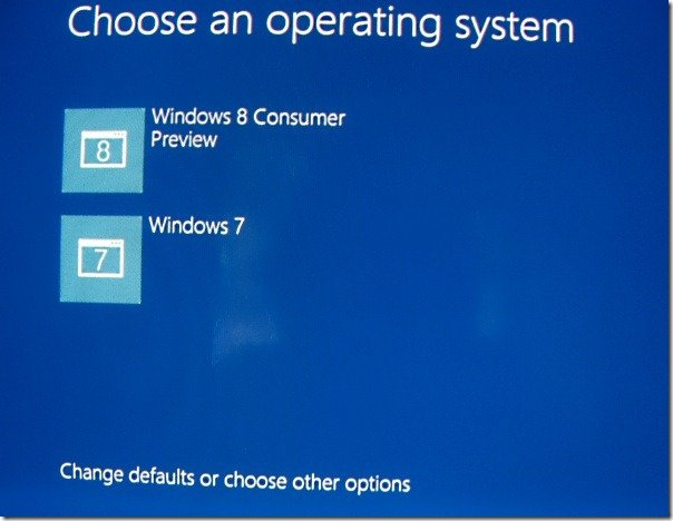 Boot in Safe mode while dual booting Windows 7 with Windows 8